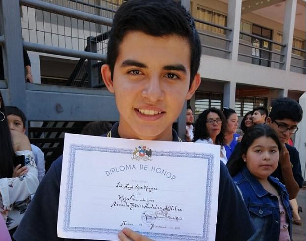 Luís Ángel López, el joven venezolano reconocido como el mejor estudiante en Chile